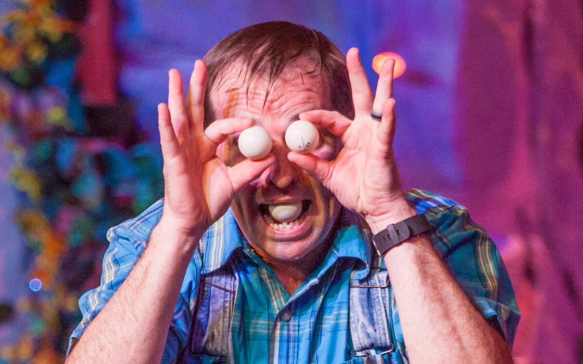Sign up for our newsletter - Comedy Barn Theater - Pigeon Forge TN